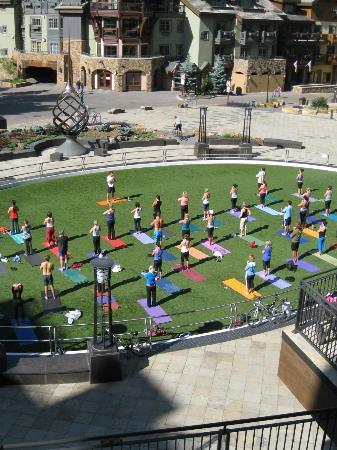 Solaris Residences: Solaris Plaza free Yoga session