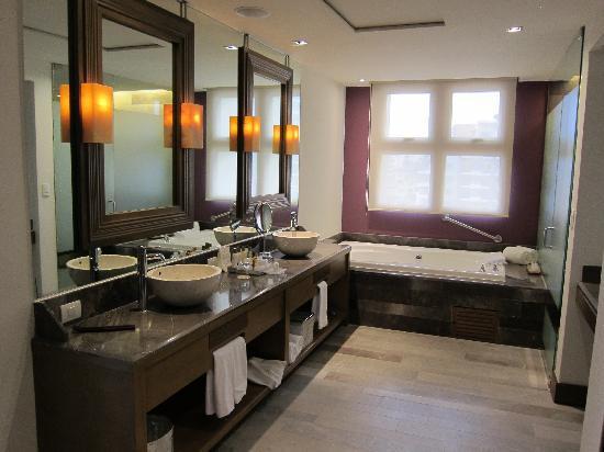 Vs Master Bathroom En Suite: Picture Of Secrets Vallarta Bay