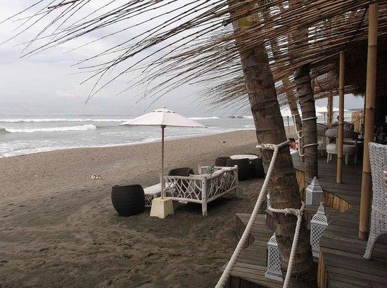 Karma Beach Batu Belig: Looking North