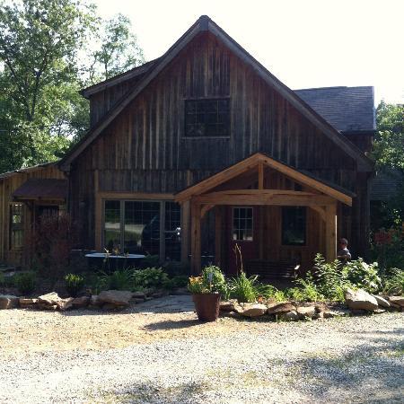 Robinwood Inn: Treetop Loft front 