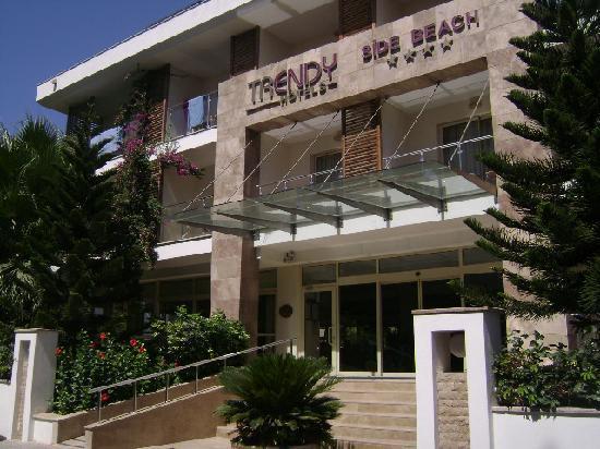 Hotel trendy side beach obr zok trendy hotels side beach for Trendy hotel