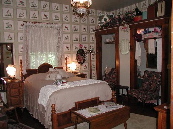 Hughes Springs, TX : Lady Bird Room
