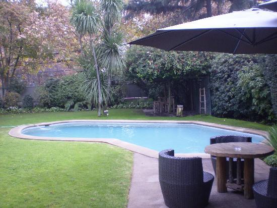 Hotel Bidasoa: Jardins e Piscina