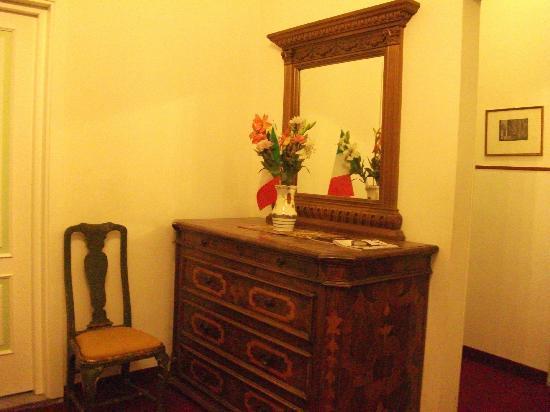 Hotel Crocini: Pasillo primer piso