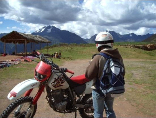 Peru Moto Tours: yo en los Andes