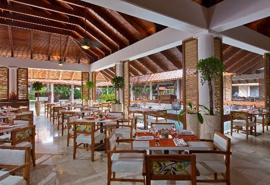 The Westin Golf Resort & Spa, Playa Conchal: Mitra Buffet Restaurant.