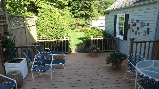 Wellesley Accommodation: The outdoor deck off the kitchen