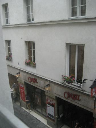 Hotel Des Canettes : outside view
