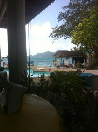 P&P Samui Resort: eating breakfast