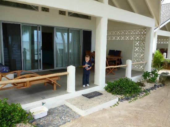 Cooks Bay Villas: Verandah