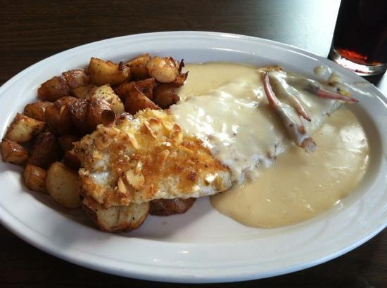 Daddy's Seafood & Cajun Kitchen: the almondy dinner tonite