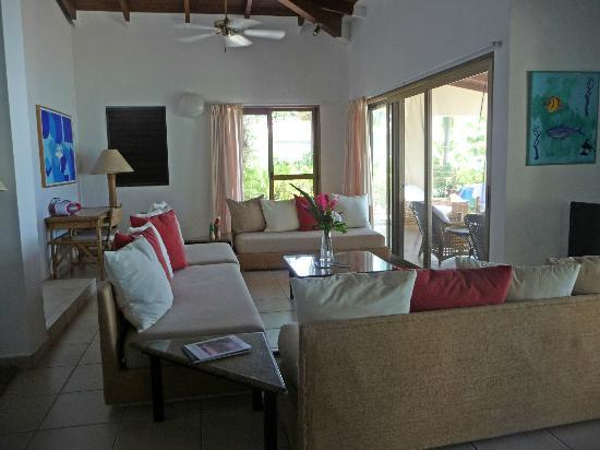 Mango Bay Resort: Living Room