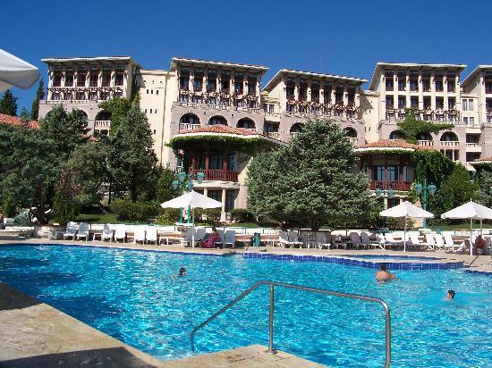 Klassis Resort Hotel: Outside Pool
