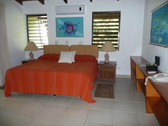 Mango Bay Resort : bedroom