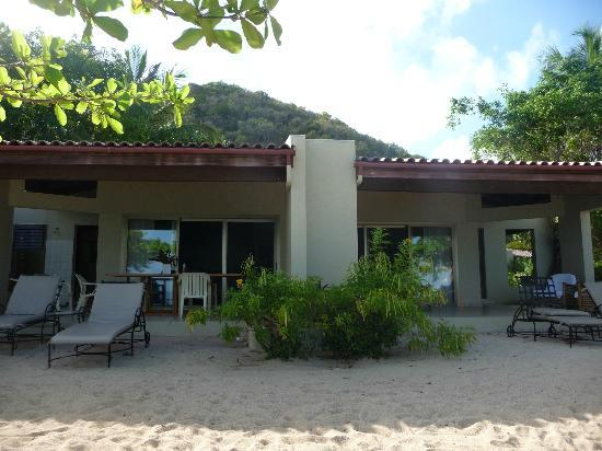 Mango Bay Resort: our beachfront villa-left side is eating area, right side is sitting area