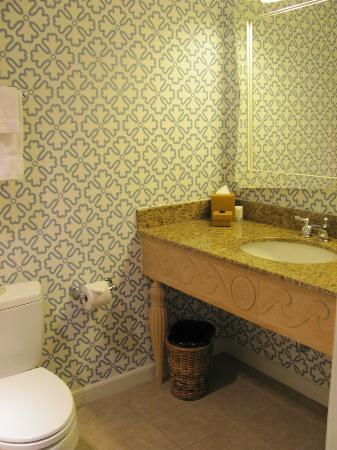 Hotel Monaco Seattle - a Kimpton Hotel: A view of our bathroom