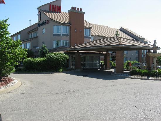 مونت كارلو إنز تورونتو ويست سويتس: hotel