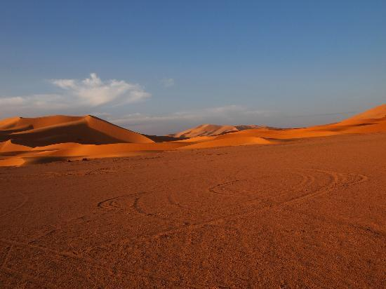 Morocco Explored - Day Tours : Erg Chebbi Dunes