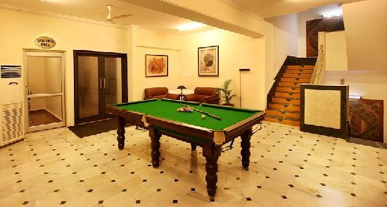 Hotel Chaupal Gurgaon : pool table