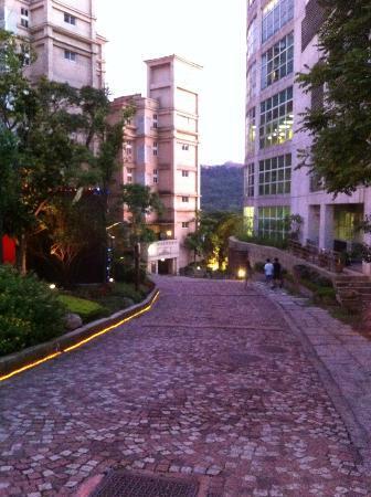 Eastern Hotels Resorts Yangmei: pretty sunset