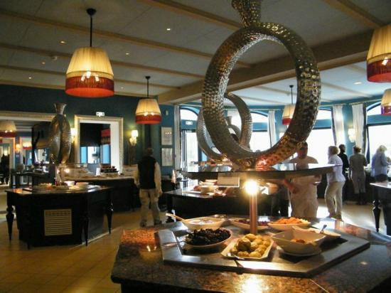 Club Med Chamonix Mont-Blanc: sala colazione