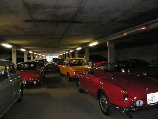 Club Med Chamonix Mont-Blanc: garage