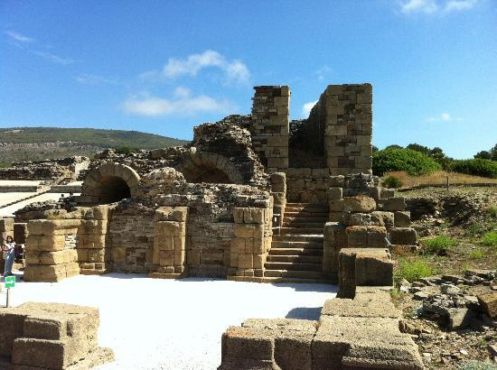 Playa de Bolonia : The Ruins