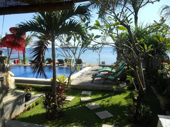 Amed Beach Resort: vue de la chambre