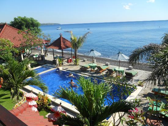 Amed Beach Resort: vue d'en haut d'une des chambres à l'étage