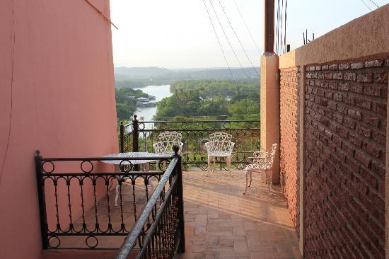 River Side Hotel: balcony