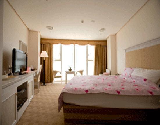 Hotel Aqua Palace: 스탠다드룸