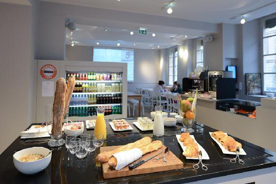 Monument Cafe Versailles: Le brunch, tous les jours