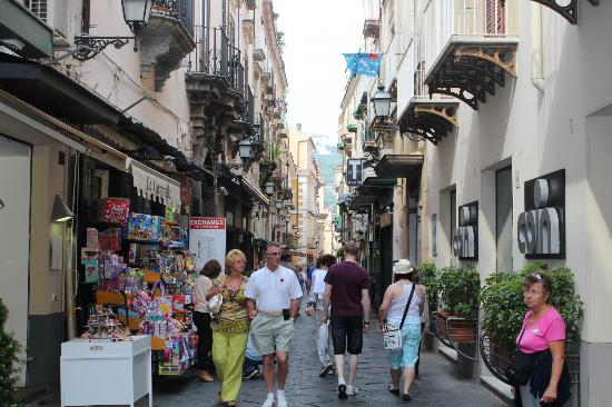 Italy Limousine : A wonderful street in Sorrento
