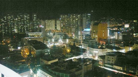 Hotel Riviera Haeundae: view at night from our room