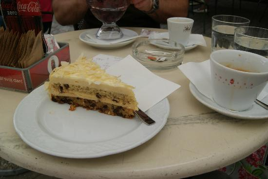 Ilich: almond and chocolate cake!