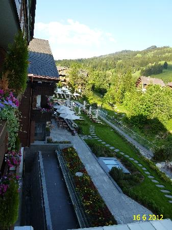 Wellness & Spa Hotel Ermitage: VIEW FROM BALCONY OF OUR SENIOR SUITE TYPE SAANEN NUMBER 414.
