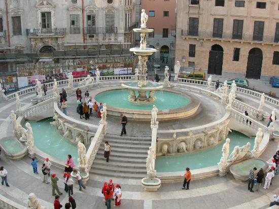 La Piazza Dall Alto Picture Of Piazza Pretoria Palermo