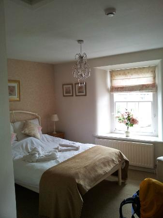 Reeth, UK: Our room at the top floor.
