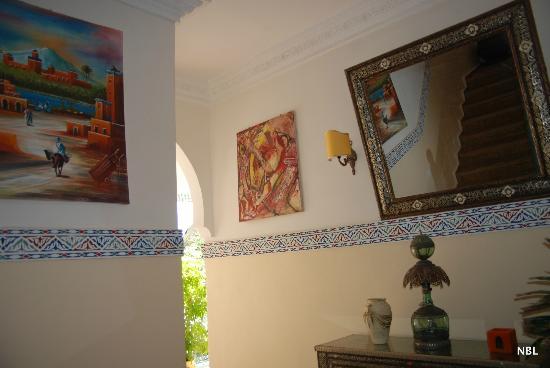 Riad Caesar: Escalier vers la terrasse supérieure