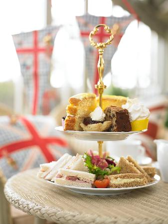 The Glasshouse Cafe: The Greenhouse Café - famous for afternoon tea!