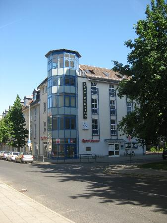 City-Pension Dessau-Rosslau: Pension on the top floor of this building