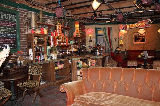 Friends Central Perk Set Picture Of Warner Bros Studio