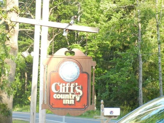 Cliffs Country Inn Malta New York: Cliff's Country Inn