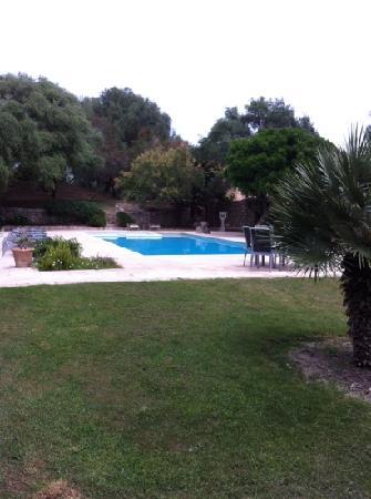 SENTIDO Pula Suites Golf & Spa: Pool am Petite Hotel