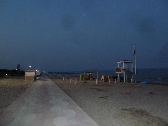 Oasi Verde: spiaggia di sera