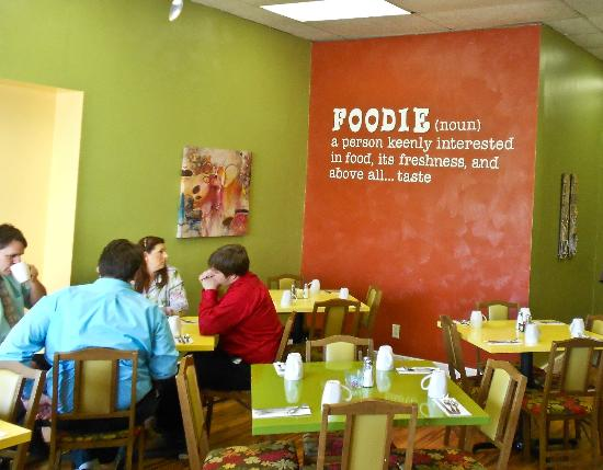 Foodies: Great place for food and conversation