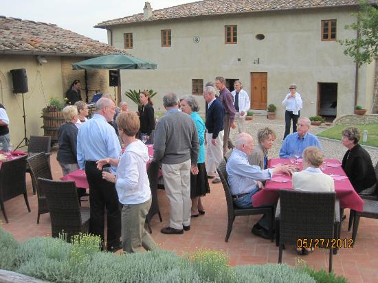 Podere Le Rondini: Dinner on the terrace
