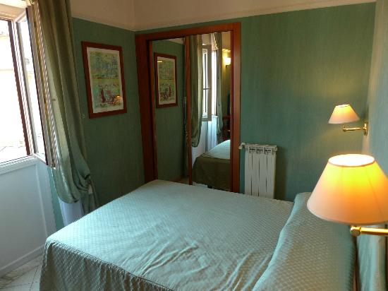 Cosmopolita Hotel: the tiny room