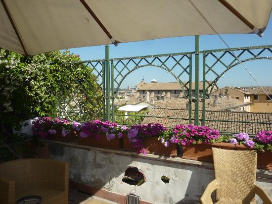 Cosmopolita Hotel: roofterrace facing the street