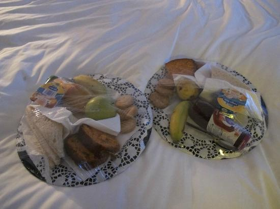 Hotel da Vila : Our breakfast for the last day. Prepacked to choose from because of early plane : )